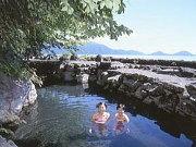 露天風呂の一例(北海道・丸駒温泉:丸駒温泉旅館)