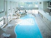 ホテル志戸平(屋内温水プール)