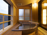 客室露天風呂の一例(小槌の宿 鶴亀大吉)
