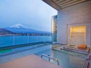 客室露天風呂の一例(風のテラスKUKUNA)